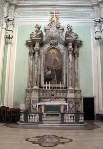 Lorenzo Franzoni, Altare di Santa Rosa da Lima, marmi policrimi, 1808, Pontremoli, Cattedrale. Balaustra in marmo donata dai coniugi Filippi nel 1890.